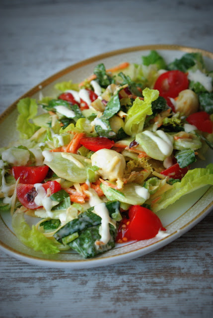 Delicious seasonal salad – quick and aromatic