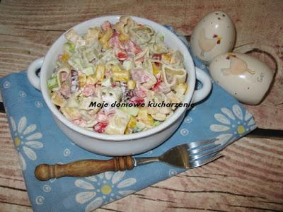 Sałatka z sosem kebab-gyros