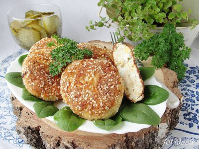 Chicken meatballs with egg