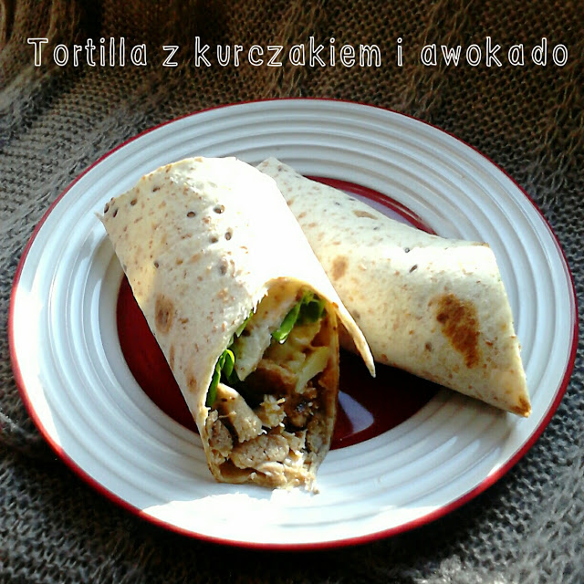 Folwark's sauces  – Healthy tortilla with chicken and avocado