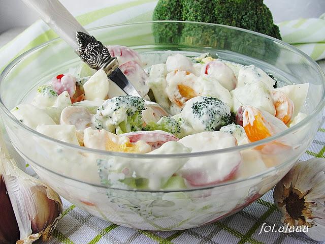 (Polski) Sałatka brokułowa z jajkiem